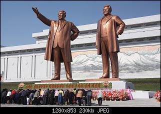 Нажмите на изображение для увеличения Название: 1280px-The_statues_of_Kim_Il_Sung_and_Kim_Jong_Il_on_Mansu_Hill_in_Pyongyang_april_2012.jpg Просмотров: 1 Размер:229.8 Кб ID:140070