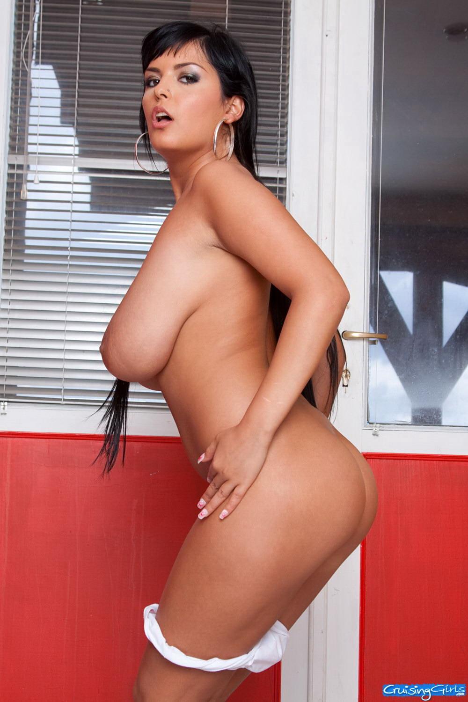 хорош фото румынской порно звезды сосут пенис