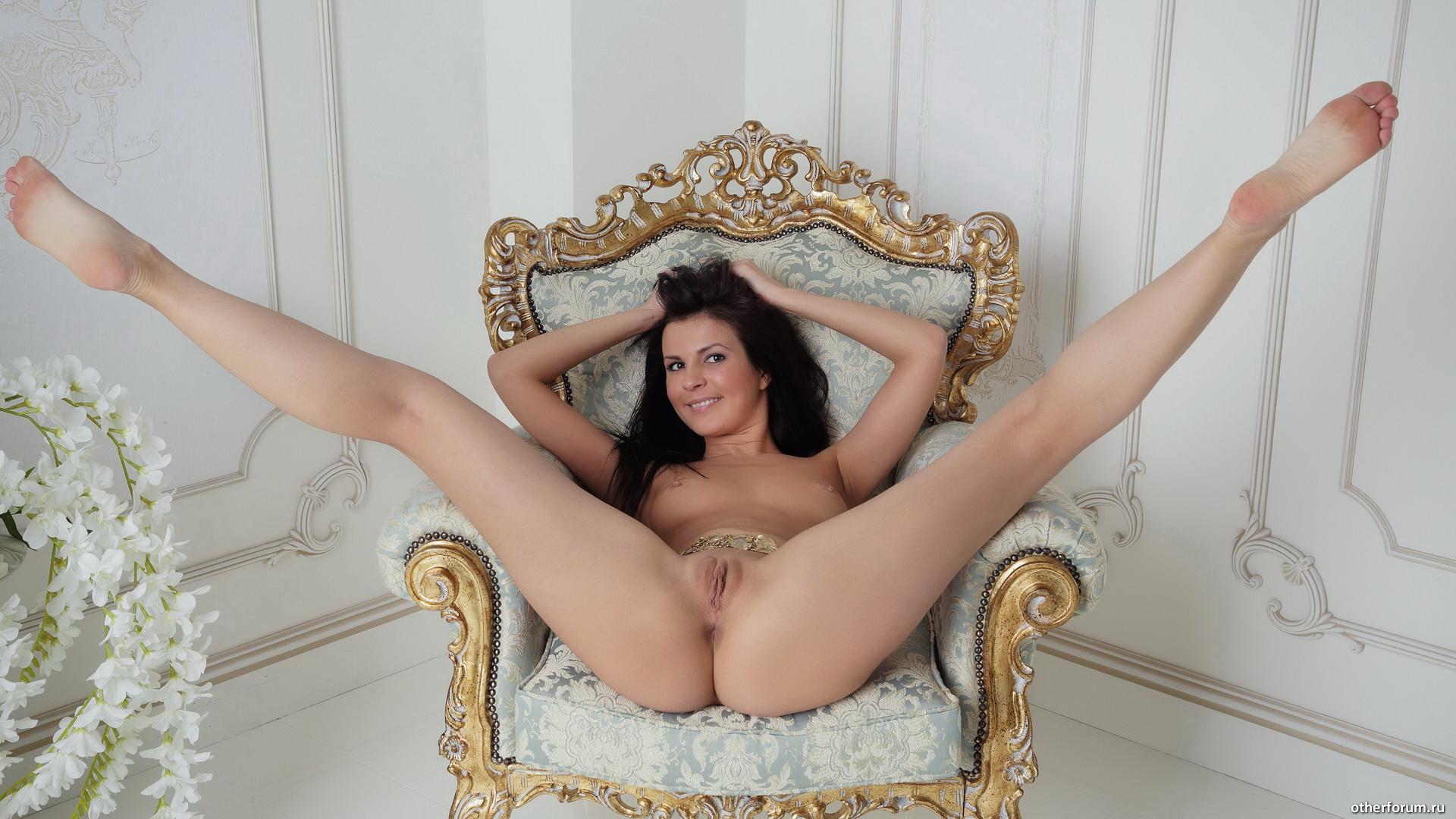никогда ничего фото посетительниц сайта с раздвинутыми ногами она пользовалась