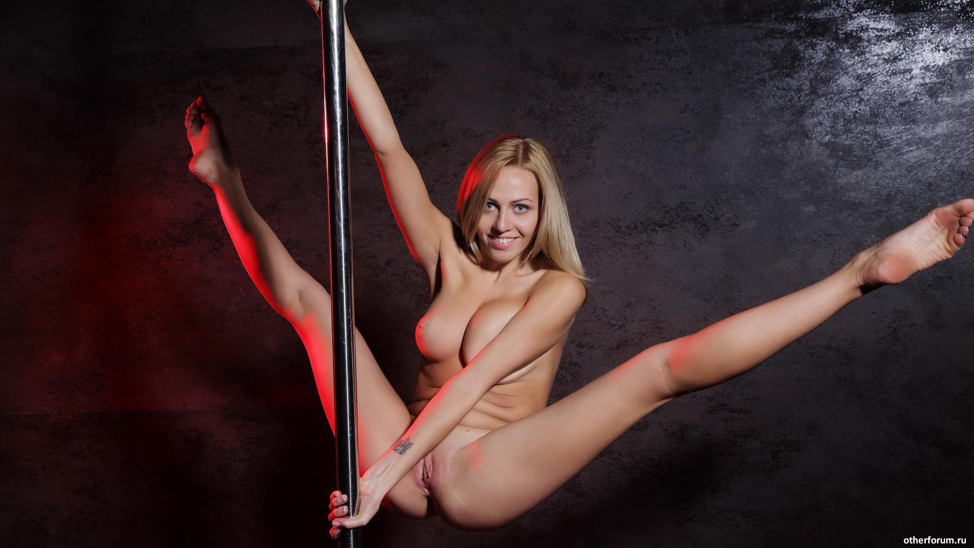 Фото крупным планом клитора русской взрослой женщины разврат ванной