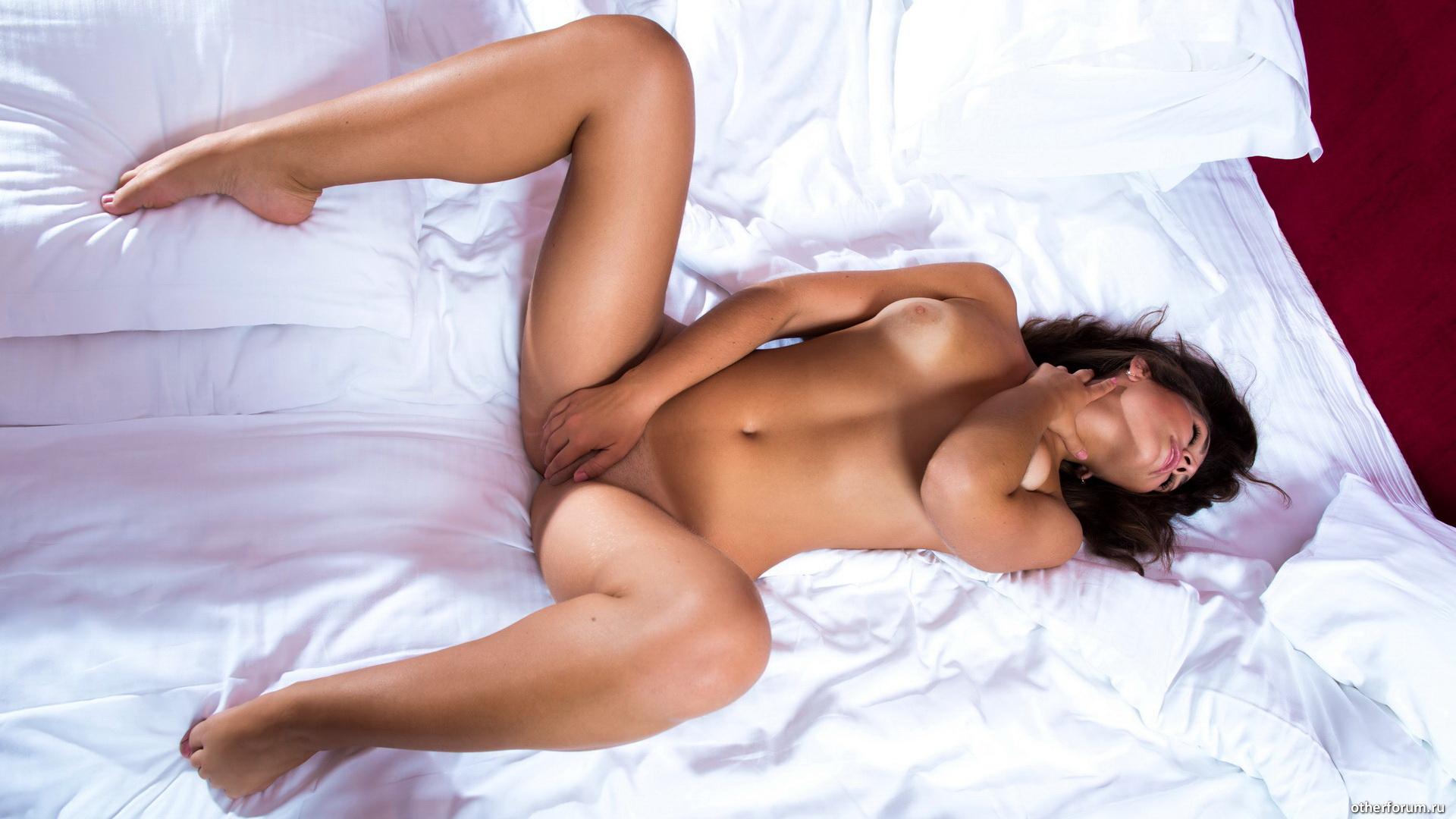 интимных в позах специальные красивых фото девушек