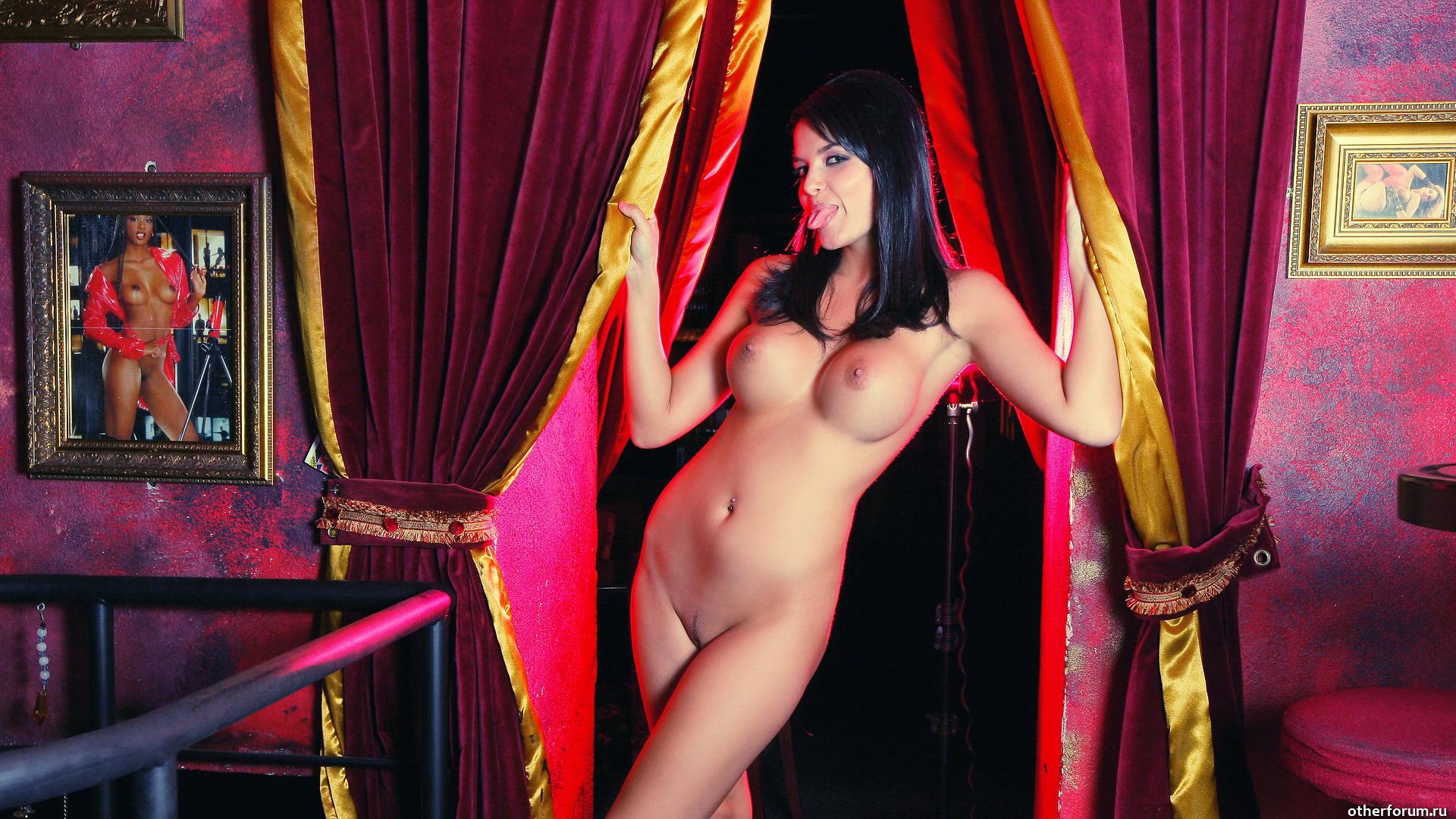 Смотреть стриптиз до гола бесплатно, Стриптиз видео, смотреть онлайн бесплатно! 2 фотография